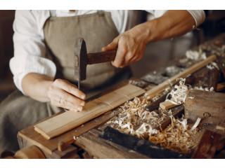 Finishing carpenter