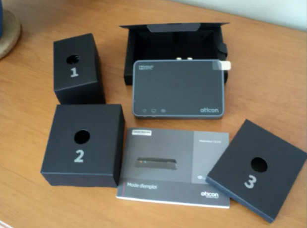 oticon-hearing-aids-tv-adapter-30-remote-control-big-0