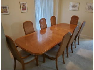 Solid Oak Dining Table with 2 Removable Leafs and 8 Chairs