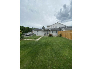 House For Sale In Brock With Big Garage & Lots Of Parking Space