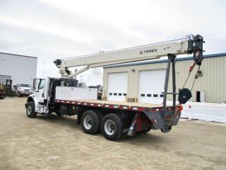 2017 Freightliner M2106 38,000 lbs Crane + 20 ft Deck!!!